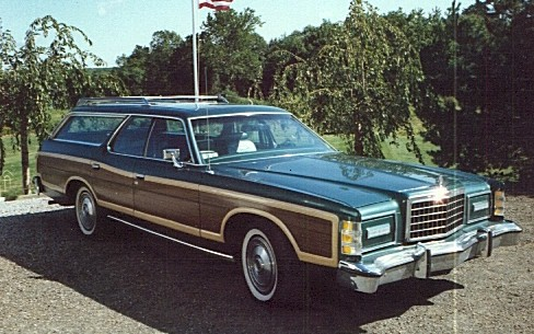 1978_Ford_Country_Squire.jpg